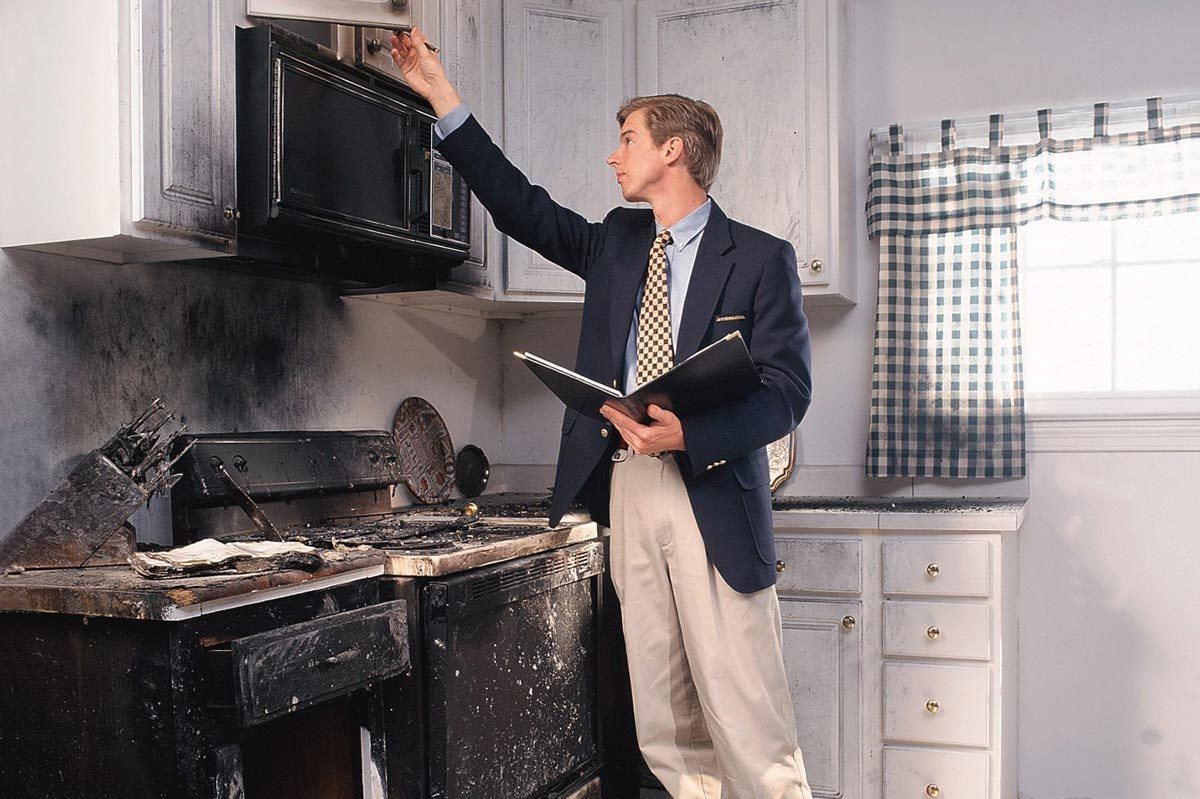 """оценить квартиру после ущерба Санкт Петербург, оценочная компания """"Рендер"""""""
